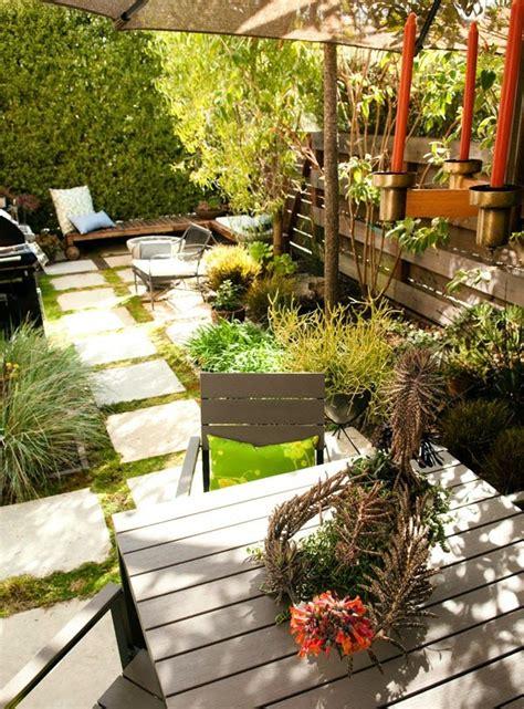 decoracion de patios pequenos y estrechos patios y jardines