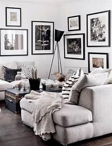 Schwarz Weiß Wohnzimmer : wei e wand und bilder in schwarz und wei einrichten und deko diy wohnzimmer wohnzimmer ~ Orissabook.com Haus und Dekorationen
