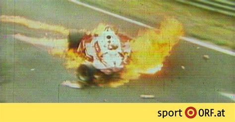 1975 gab lauda im nochmals weiterentwickelten modell ferrari 312t (nun mit quer eingebautem getriebe) des konstrukteurs mauro forghieri mit fünf saisonsiegen den ton an und fuhr unter anderem als erster und einziger fahrer auf dem damals 22,8 km langen nürburgring im training zum großen preis von deutschland mit 6:58,4 minuten eine zeit von unter sieben minuten. Lauda-Unfall jährt sich zum 40. Mal - sport.ORF.at