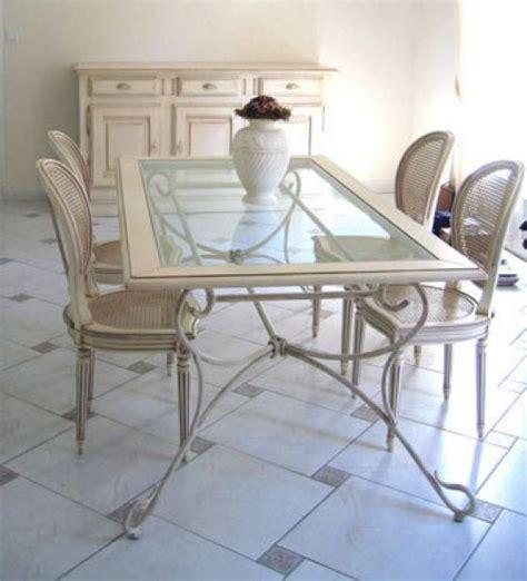 table salle a manger en verre mobilier sur enperdresonlapin