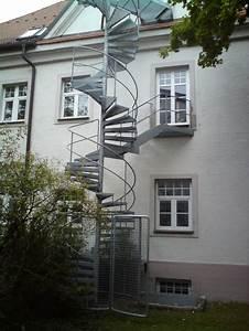 Pflanzgefäße Außen Groß : au en idee wendeltreppe home design ideen ~ Whattoseeinmadrid.com Haus und Dekorationen