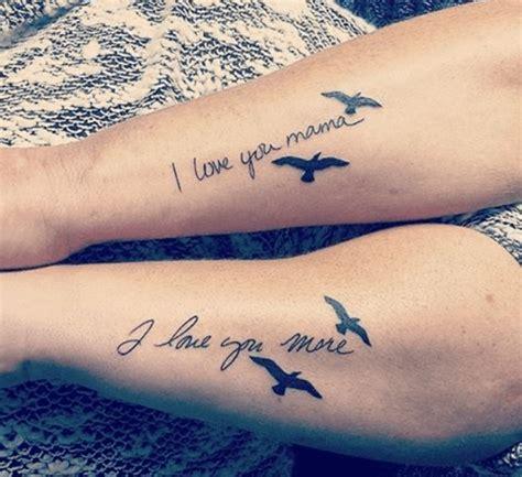 tatouage mere fille phrase oiseaux tatouage discret