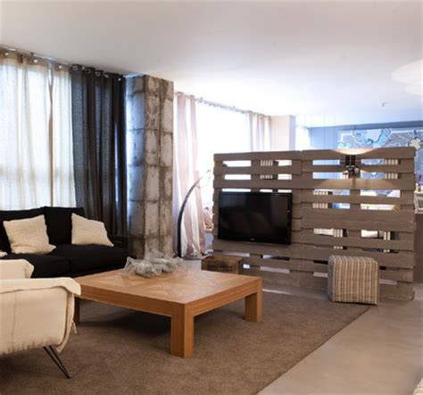 studio apartment room divider home dzine home decor studio apartment that s big on style 5912