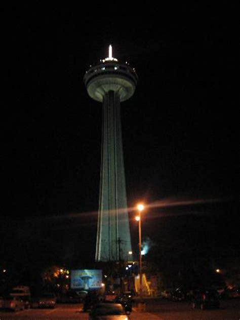 skylon tower revolving dining room restaurant horseshoe falls picture of skylon tower revolving dining