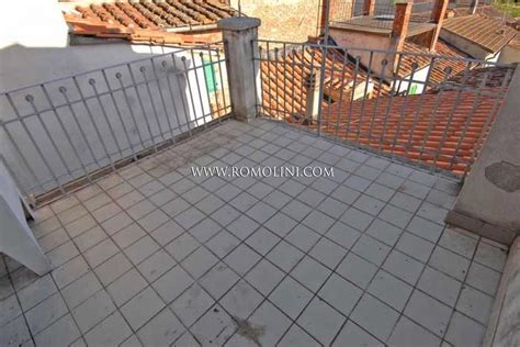 appartamento con terrazzo appartamento con terrazzo in vendita a sansepolcro