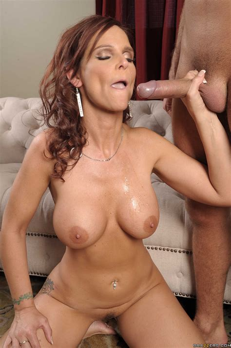 busty Wife syren de mer Gets Facialized After Voluptuous