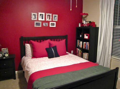 hot red bedroom wall ideas  spice   life