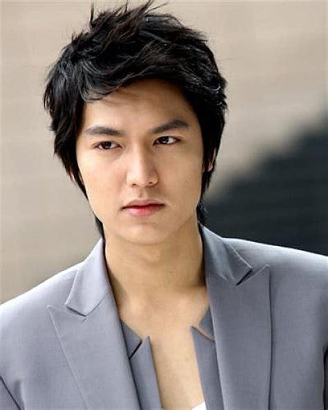 Check spelling or type a new query. 16 Trend Model Rambut Pria Korea yang Paling Keren & Terbaru