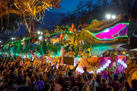 thousands throng orleans mardi gras people act
