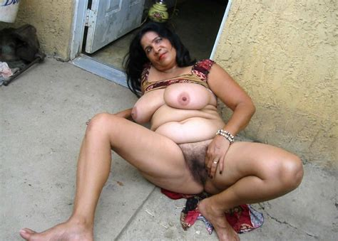 00076  In Gallery Mature Indian Women Picture 4