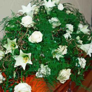 stilvolle trauerblumen von beste floristik wir