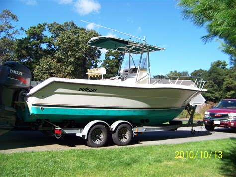 space cusion pursuit 2470 center console for sale year 2001 the