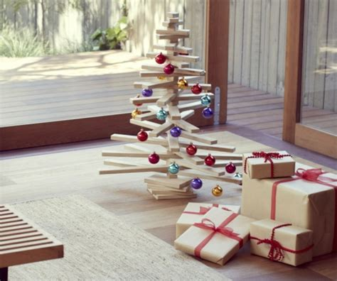 deko aus holz selber machen schnelle weihnachtsbastelideen christbaum selber machen