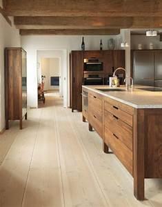 Le parquet clair c39est le nouveau hit d39interieur pour 2017 for Idee deco cuisine avec meuble salle a manger chene clair