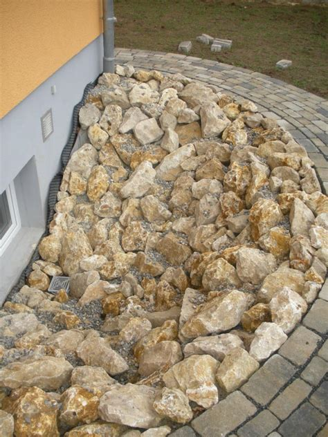 Dolomit Bruchsteine Steinbeet Zierkies Natursteine Haus
