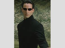 Why does Neo look so unnaturally slim in Matrix Reloaded