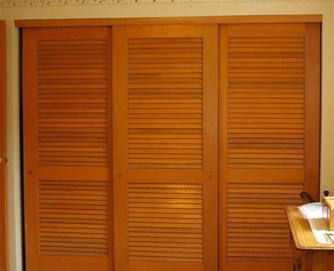 Louvered Sliding Closet Doors by Nod To Shutters Louvered Sliding Closet Door Ideas