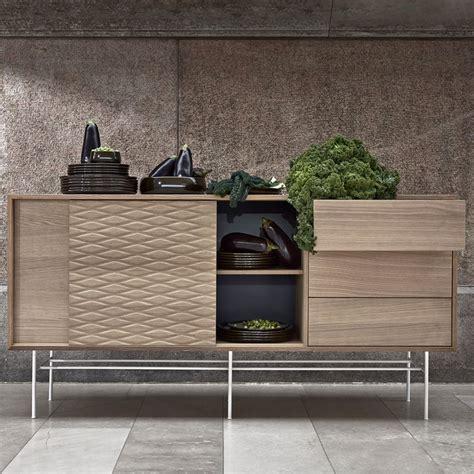 cassetti scorrevoli madia in legno e metallo con ante scorrevoli