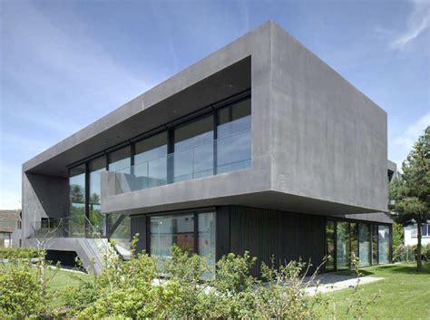Moderne Quadratische Häuser by B 228 R Heule Architekten Ag