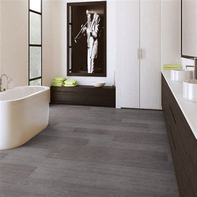 Quickstep Bathroom Flooring by Quickstep Majestic Pro Grey Vintage Oak Map1286 Laminate