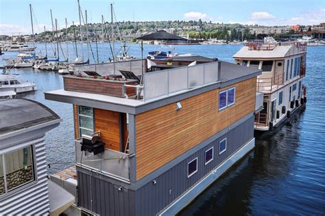 Houseboat Zillow by House Of The Week A Floating Home In Seattle Zillow