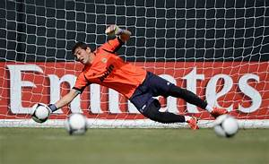 Iker Casillas Photos Photos - Real Madrid Training Session ...