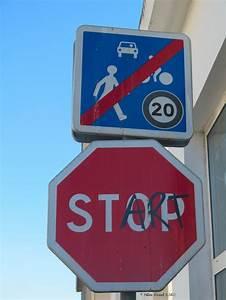 Panneau Stop Paris : les 35 meilleures images du tableau street art clet sur ~ Melissatoandfro.com Idées de Décoration