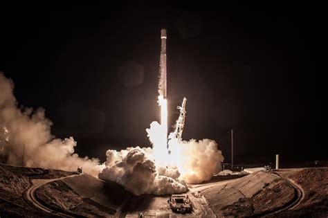 spacex rocket launch lights  northern arizona night sky
