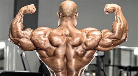 How Phil Heath Trains for Wide Lats and a Detailed Back ...