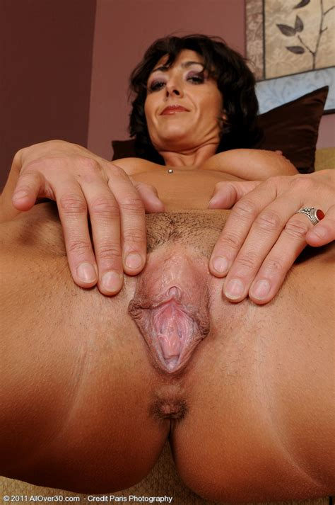 Amazing Pussy Picture With Sexy Brunette Mother Binar