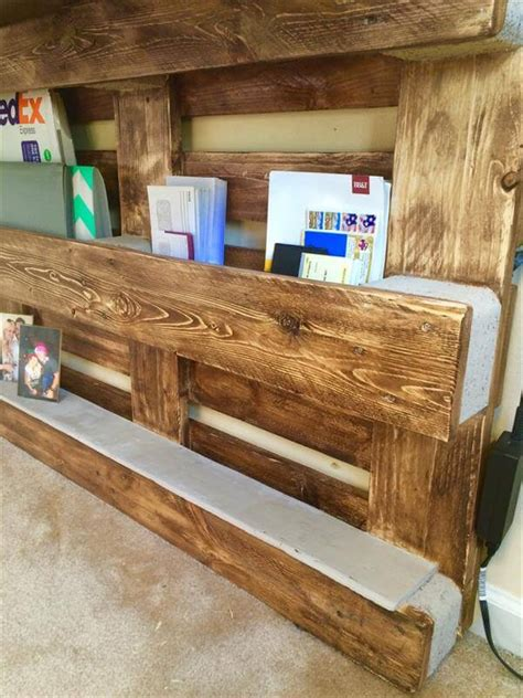diy upcycled pallet wall computer desk  pallets