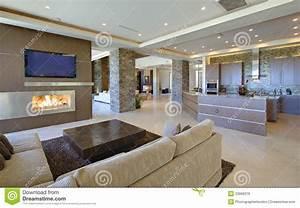 Wohnzimmer Mit Offener Küche : wohnzimmer mit offener k che lizenzfreie stockbilder bild 33906379 ~ Watch28wear.com Haus und Dekorationen