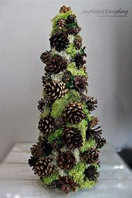 make pine cone christmas tree decoration