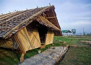 Bamboo & Teak Huts Offer Temporary Homes to Thai Refugees ...