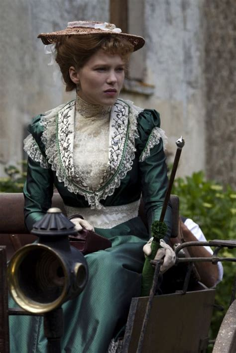 images  historical  costumes stills  pinterest great expectations