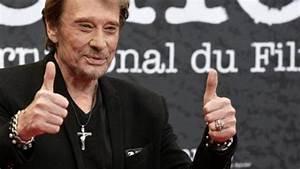 Bijoux Johnny Hallyday : la bague smet avec croix de johnny hallyday lors de la ~ Melissatoandfro.com Idées de Décoration