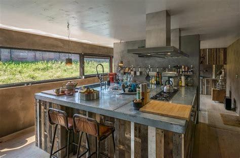 cuisine island ilot central acier cuisine industrielle design ideeco