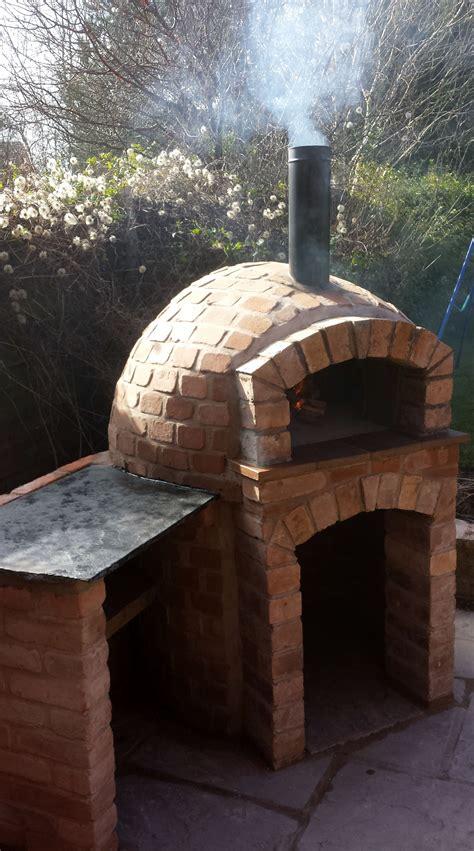 milan   base pizza oven  serving side