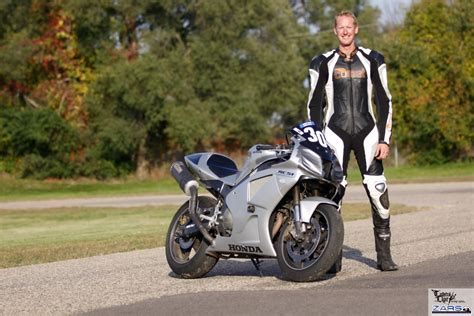 bike leathers how is a quot custom fit quot motorcycle racing suit made