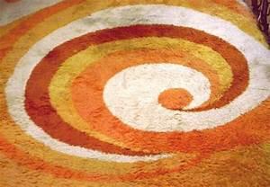 Teppich Gelb Rund : orange gelber teppich der 70er jahre ~ Frokenaadalensverden.com Haus und Dekorationen