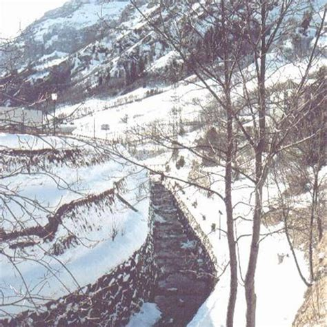 Bagni Termali Svizzera Leukerbad Sci E Bagni Termali Svizzera