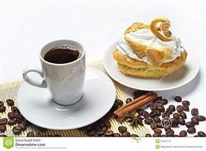 Kaffee Und Kuchen Bilder Kostenlos : tasse kaffee und kuchen stockbild bild von nachtisch 27457775 ~ Cokemachineaccidents.com Haus und Dekorationen