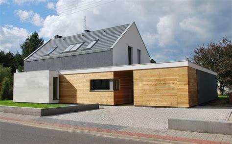 Moderne Häuser Satteldach Bilder by Modernes Haus Mit Twist Moderne H 228 User Fassadenfarbe