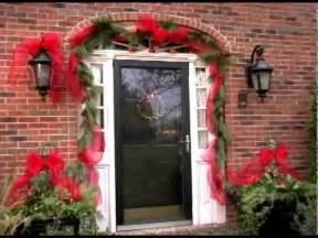 decorate  front door  flowers pot