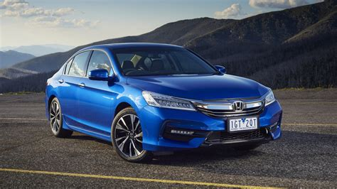 Honda Accord Photo by 2016 Honda Accord Pricing And Specifications Photos 1 Of 6
