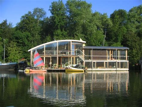 Houseboat For Sale Amsterdam by 17 Best Ideas About Houseboat Amsterdam On