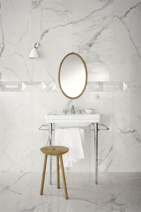 chambre mur violet carrelage imitation marbre voir les collections marazzi