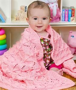 Kuscheldecke Für Baby : stricke diese weiche kuscheldecke w hrend du auf dein baby wartest das ajourmuster eignet sich ~ Markanthonyermac.com Haus und Dekorationen