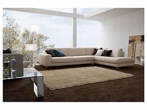 Sofa Mit Holzrahmen : elegantes sofa mit holzrahmen verschiedene ausf hrungen idfdesign ~ Frokenaadalensverden.com Haus und Dekorationen