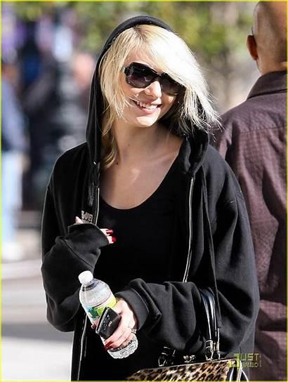 Taylor Momsen Boots Buckled Were Walkin Marketing